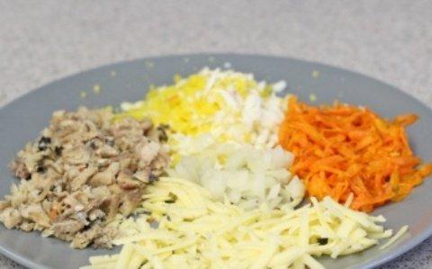 Салат из рыбных консервов с морковью