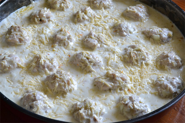 куриные тефтели со сливками в духовке