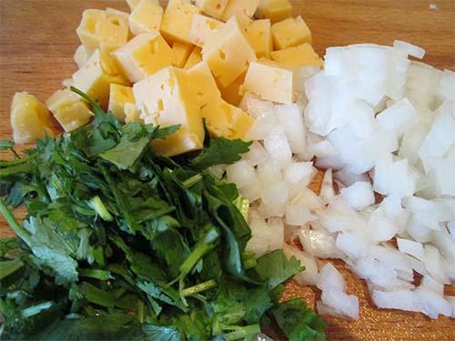 фото приготовления салата из овощей с сыром