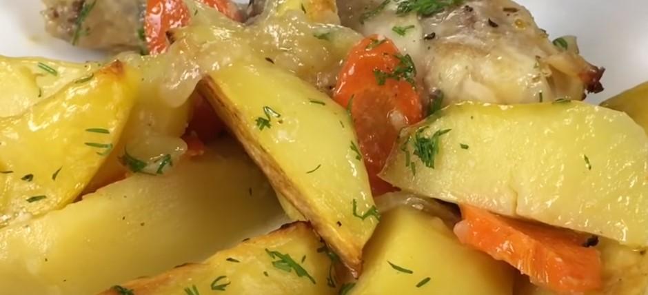 Готовое блюдо с курицей и картофелем