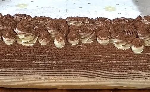 Десерт в виде рулета Тирамису