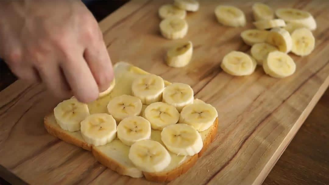 фото тоста с кусочками банана