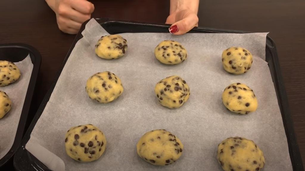 фото процесса приготовления печенья с шоколадной крошкой