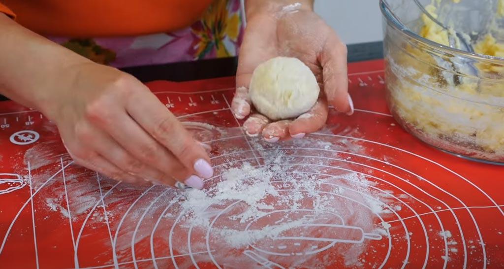 фото заготовки для картофельных ватрушек